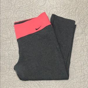 NIKE CORAL AND GREY CROPPED LEGGINGS